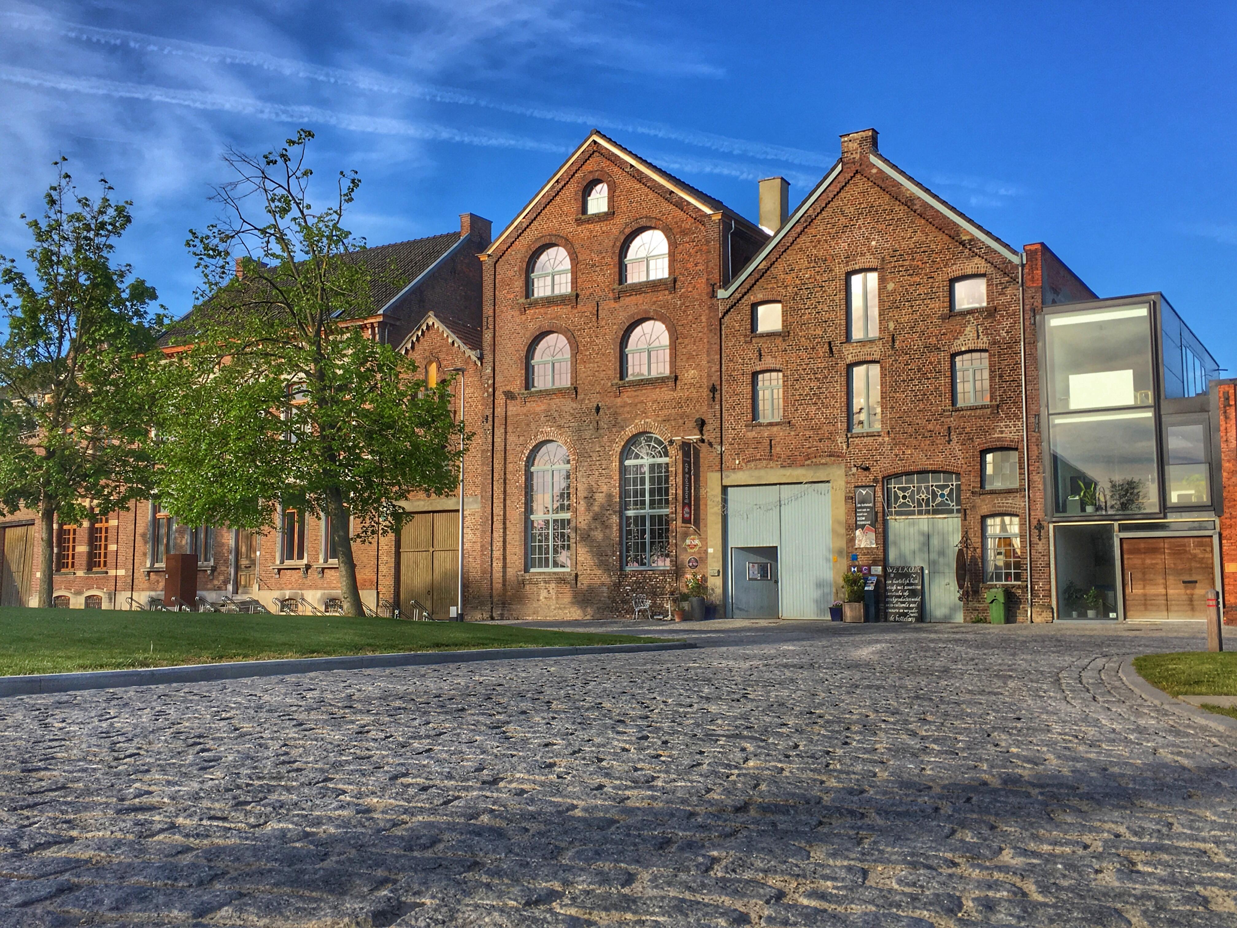 2019-gevel-Bottelarij-dorpsplein